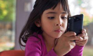 girl and mobile phone